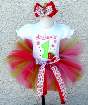 Strawberry Patch Girl Birthday Tutu Outfit-strawberries, strawberry, straw, berry, red, shortcake, green, hot pink, tutu, outfit, set, infant, baby, girl, birthday