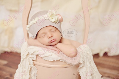 Newborn Cloche Vintage Flower Hat-Newborn Cloche hat, baby girl hat, vintage, baby, hat, newborn, baby hat, rosette, photography prop, newborn baby, girl, infant, pink, cream, lace