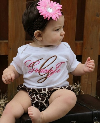 Pink & Brown Giraffe 3pc. Infant Outfit Set-animal, giraffe, pink, newborn, infant, baby girl, boutique, outfit, set, shirt, custom, monogram, bloomer, onesie, headband