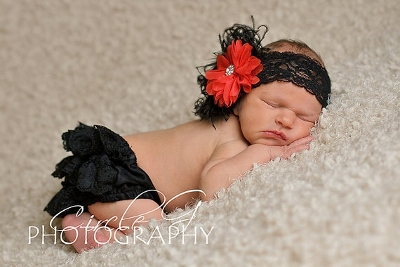 Red & Black Flower Lace Headband & Ruffle Bloomer Set